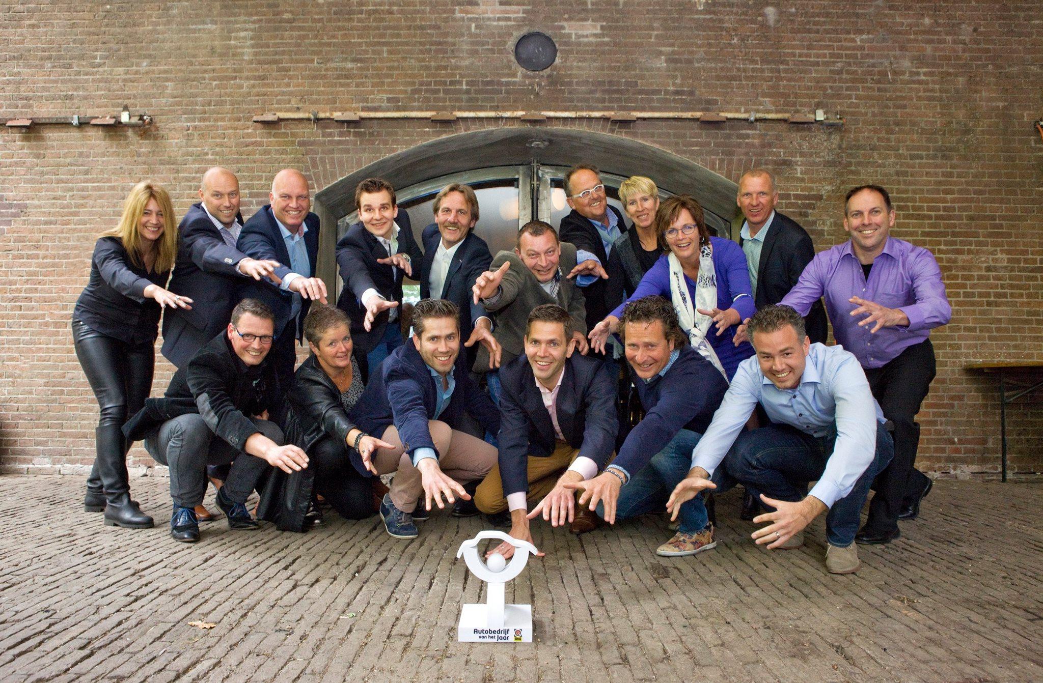 In de finale autobedrijf van het jaar 2014 2015 for Autobedrijf avan